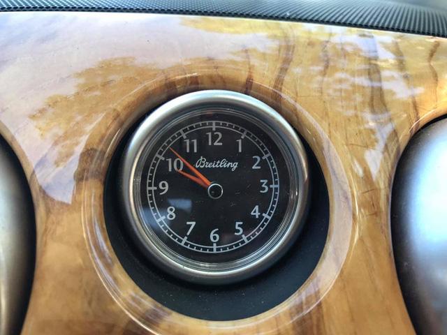 Cư dân mạng xôn xao với chiếc Bentley Continental GT màu hồng có giá rao bán hơn 1 tỷ Đồng - Ảnh 11.