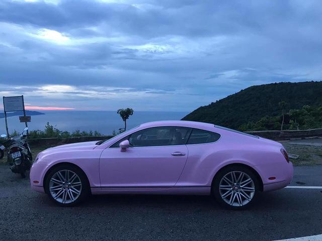 Cư dân mạng xôn xao với chiếc Bentley Continental GT màu hồng có giá rao bán hơn 1 tỷ Đồng - Ảnh 4.