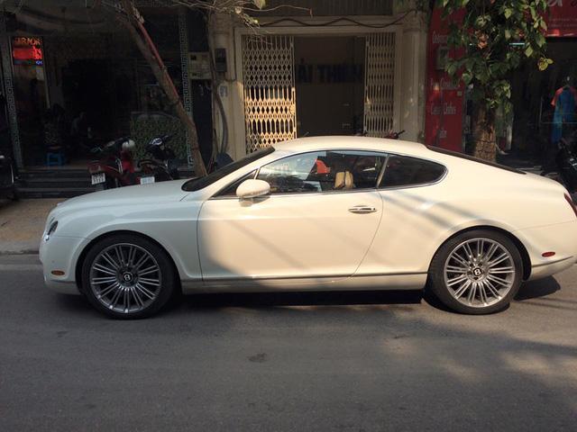 Bentley Continental GT Speed bị dán giấy Không có văn hóa đỗ xe - Ảnh 4.