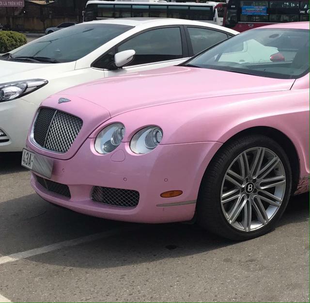 Bentley Continental GT màu hồng đầu quân về đội Đà Nẵng - Ảnh 1.