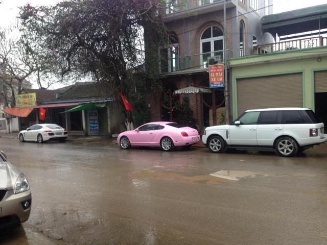 Bentley Continental GT màu hồng đầu quân về đội Đà Nẵng - Ảnh 3.
