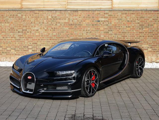Vẻ đẹp của siêu phẩm Bugatti Chiron đầu tiên rao bán tại Anh - Ảnh 2.
