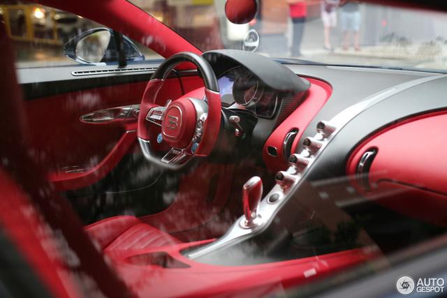 Siêu phẩm Bugatti Chiron đầu tiên cập bến Canada - Ảnh 6.