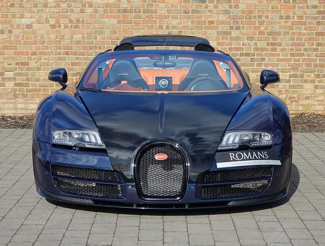 Chạy gần 3.000 km, Bugatti Veyron Grand Sport Vitesse vẫn có giá chát 67 tỷ Đồng - Ảnh 1.