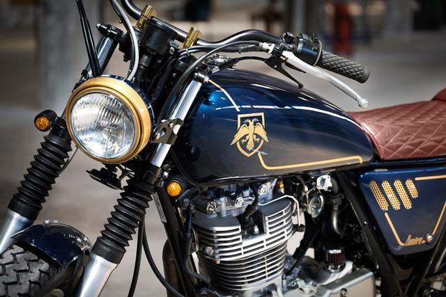 Ngắm nhìn Yamaha SR400 độ tuyệt đẹp - Ảnh 3.
