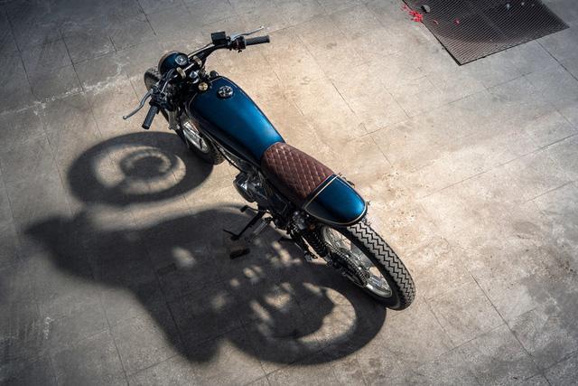 Ngắm nhìn Yamaha SR400 độ tuyệt đẹp - Ảnh 1.