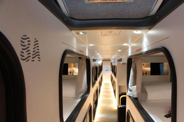 Bên trong Sleepbus: chiếc xe buýt chất nhất nước Mỹ - Ảnh 4.