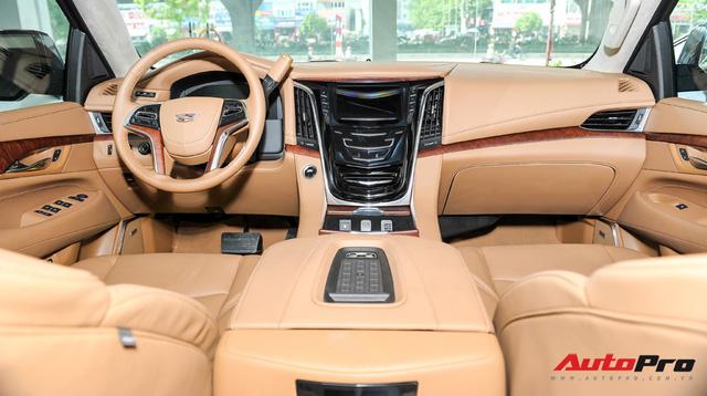 """""""Khủng long Mỹ"""" Cadillac Escalade ESV cũ rao bán giá giá 5,8 tỷ đồng tại Hà Nội - Ảnh 7."""