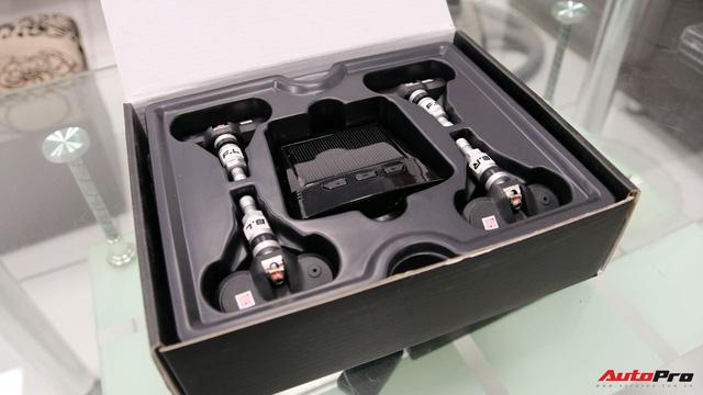 Mổ xẻ một bộ cảm biến áp suất lốp - đồ chơi giá mềm, cần thiết không chỉ cho xe sang - Ảnh 2.