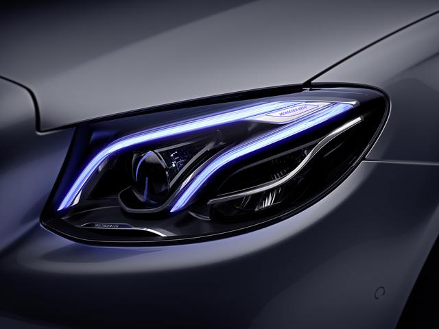 Mercedes-Benz ra mắt E300 AMG lắp trong nước, rẻ hơn bản nhập 370 triệu Đồng - Ảnh 5.