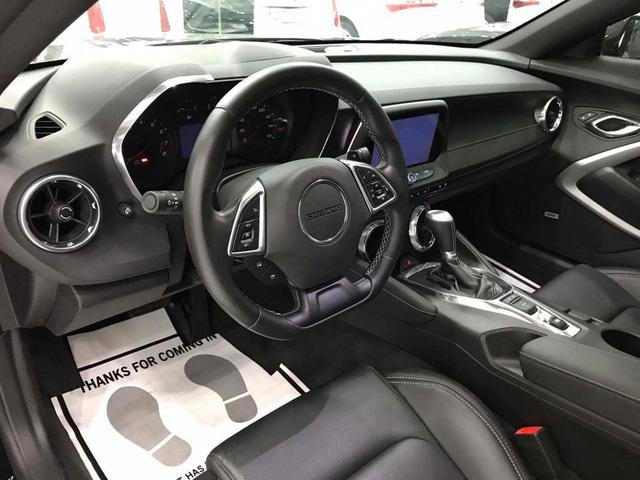 Thêm hàng hiếm Chevrolet Camaro RS 2017 được đưa về nước, trang bị thêm mâm độ của Ruff - Ảnh 7.