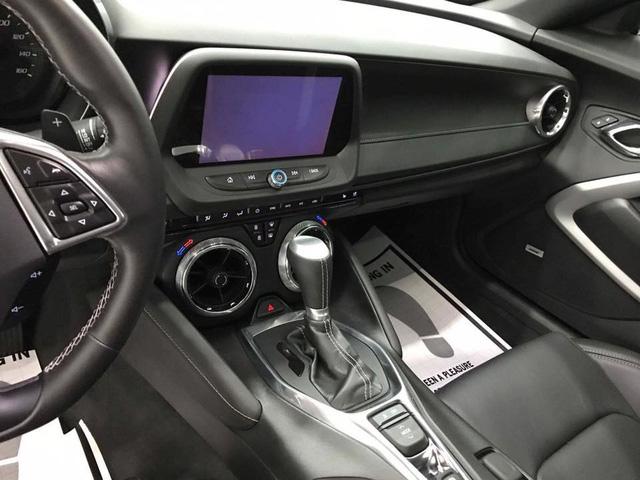 Thêm hàng hiếm Chevrolet Camaro RS 2017 được đưa về nước, trang bị thêm mâm độ của Ruff - Ảnh 3.