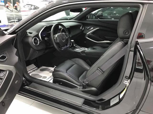 Thêm hàng hiếm Chevrolet Camaro RS 2017 được đưa về nước, trang bị thêm mâm độ của Ruff - Ảnh 6.