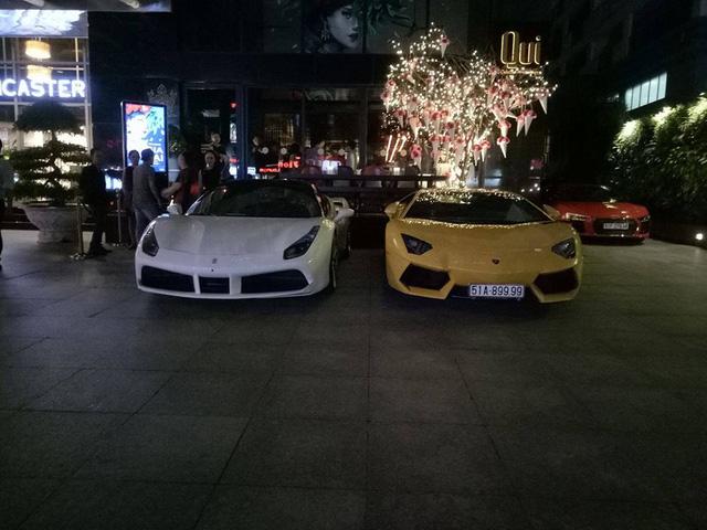 Dàn siêu xe khủng của đại gia Sài thành đi chơi bar cuối tuần - Ảnh 3.