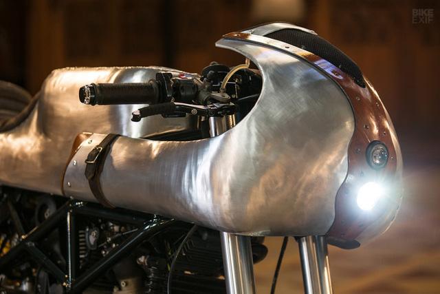 Ducati Hypermotard độ Café Racer cực dị từ Be Unique 2.22 - Ảnh 3.