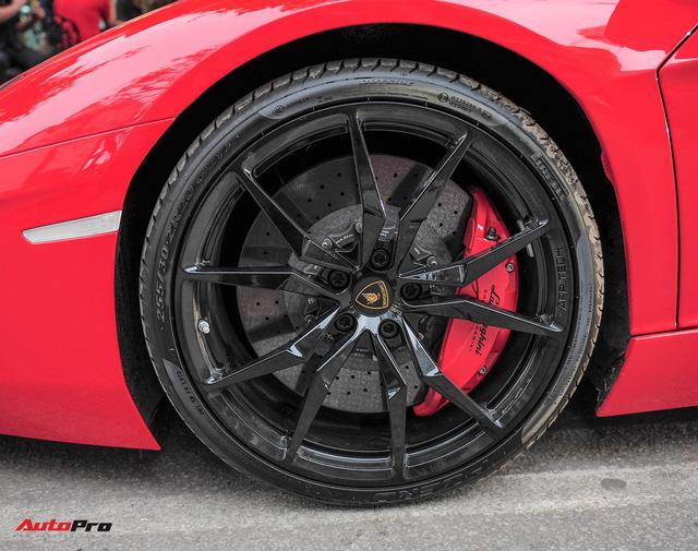 Chán phong cách Dubai, Lamborghini Aventador Roadster về màu nguyên bản tại Hà Nội - Ảnh 11.
