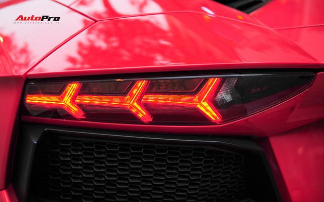 Chán phong cách Dubai, Lamborghini Aventador Roadster về màu nguyên bản tại Hà Nội - Ảnh 6.