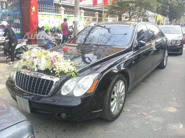 Chồng sắp cưới tặng Rolls-Royce Wraith 35 tỷ Đồng cho Hoa hậu Thu Ngân - Ảnh 1.