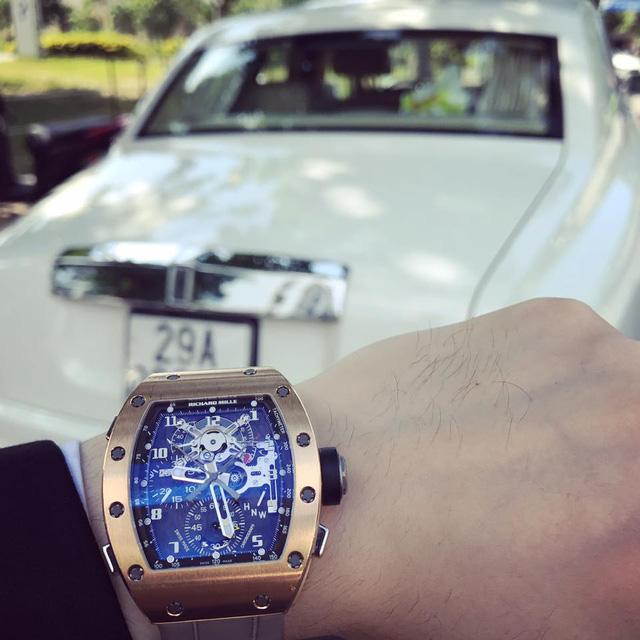 Dàn xe siêu sang dự đám hỏi của người bán Richard Mille 18 tỷ Đồng cho Minh Nhựa - Ảnh 4.