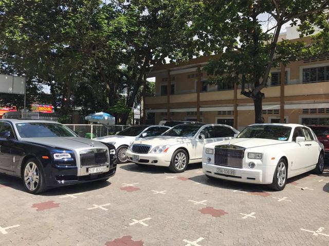 Dàn xe siêu sang dự đám hỏi của người bán Richard Mille 18 tỷ Đồng cho Minh Nhựa - Ảnh 7.
