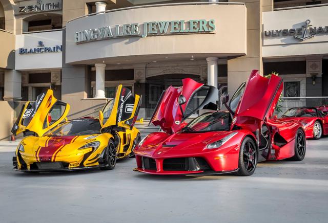 Chiêm ngưỡng bộ sưu tập siêu xe 50 triệu USD của đại gia bị hãng Ferrari từ chối bán LaFerrari Aperta - Ảnh 9.