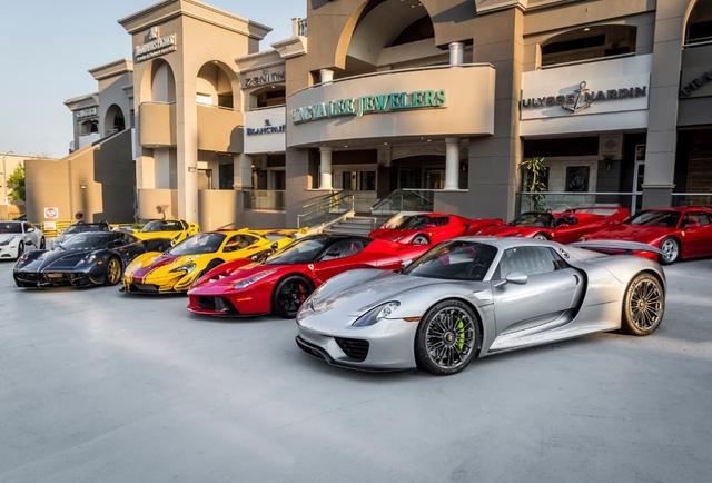 Chiêm ngưỡng bộ sưu tập siêu xe 50 triệu USD của đại gia bị hãng Ferrari từ chối bán LaFerrari Aperta - Ảnh 5.