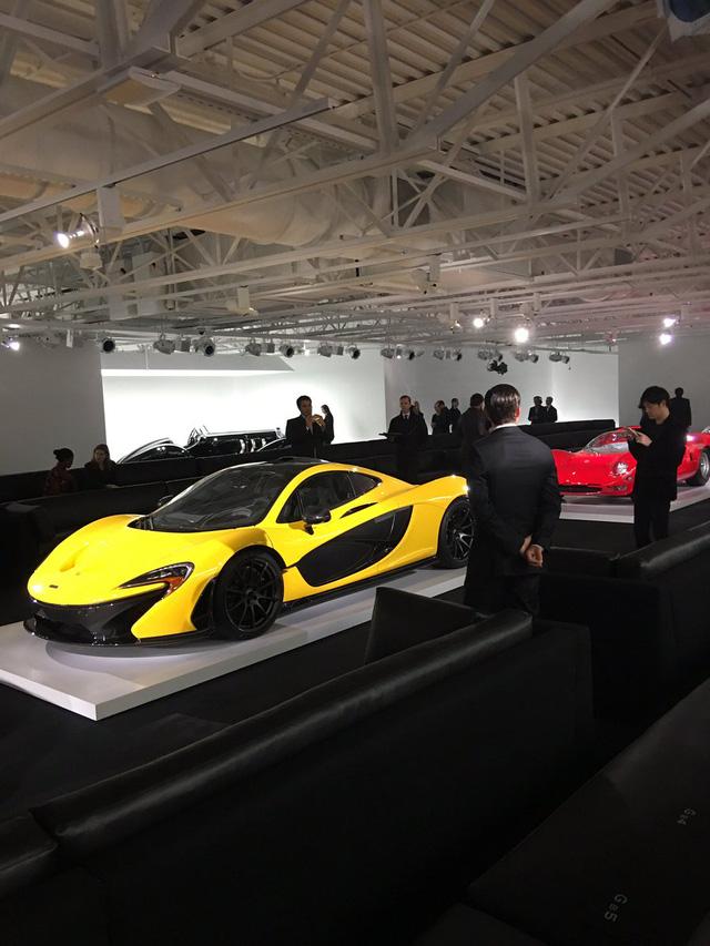 Hàng chục siêu xe từ cổ chí kim xuất hiện trong buổi giới thiệu bộ sưu tập mới nhất của Ralph Lauren - Ảnh 4.