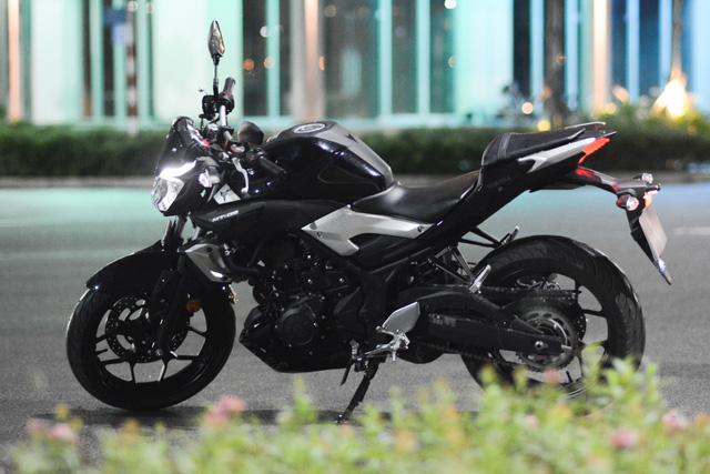 Cận cảnh naked bike Yamaha MT-03 có giá 139 triệu Đồng - Ảnh 2.