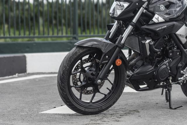 Yamaha MT-03 - Naked bike dành cho các bạn trẻ nhập môn phân khối lớn - Ảnh 5.