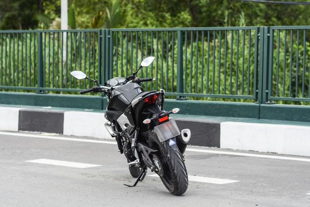 Cận cảnh naked bike Yamaha MT-03 có giá 139 triệu Đồng - Ảnh 8.