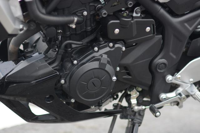 Cận cảnh naked bike Yamaha MT-03 có giá 139 triệu Đồng - Ảnh 15.