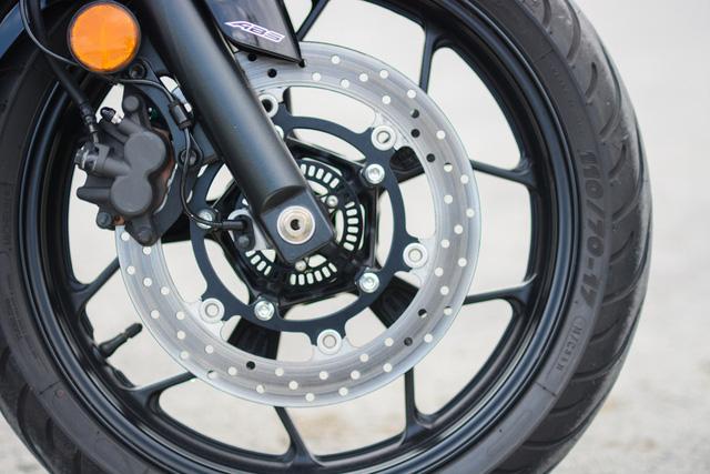 Cận cảnh naked bike Yamaha MT-03 có giá 139 triệu Đồng - Ảnh 18.