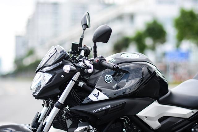 Cận cảnh naked bike Yamaha MT-03 có giá 139 triệu Đồng - Ảnh 11.