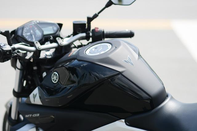 Cận cảnh naked bike Yamaha MT-03 có giá 139 triệu Đồng - Ảnh 9.