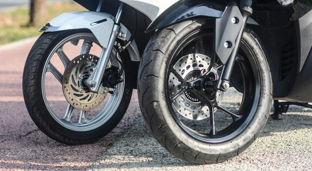 So sánh Yamaha NVX 125 và Honda Air Blade 125 - Ảnh 17.