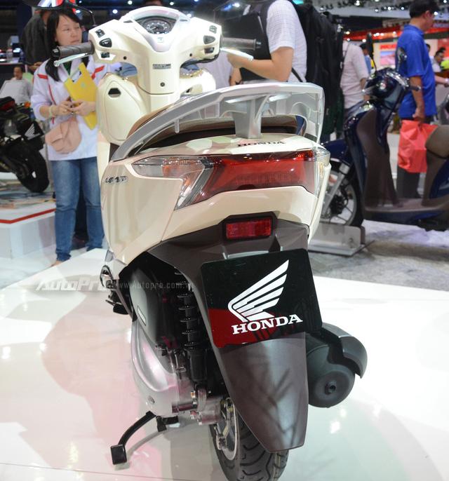 Honda Lead 2017: Tiết kiệm xăng hơn, có khóa thông minh giống  Honda SH - Ảnh 18.