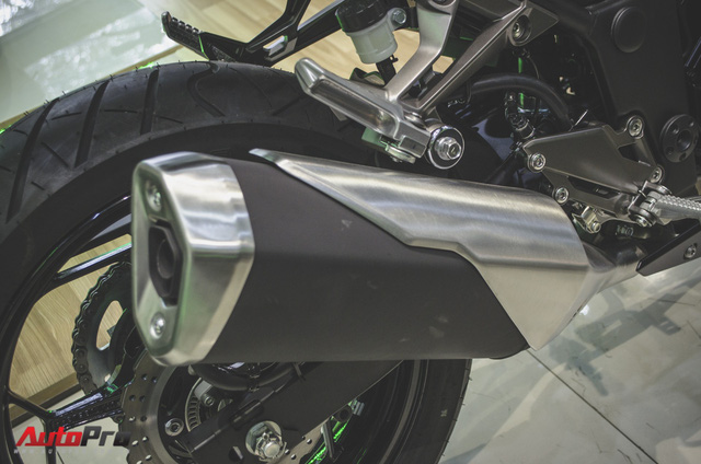 Kawasaki Z300 2018 giá từ 129 triệu đồng - nakedbike 300cc rẻ nhất Việt Nam - Ảnh 9.