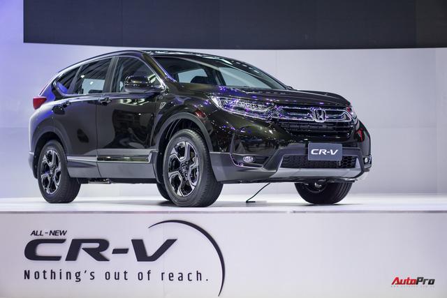 Toyota Fortuner 2017 bất ngờ giảm giá; nhiều mẫu xe hơi được khuyến mại để kích cầu - Ảnh 2.