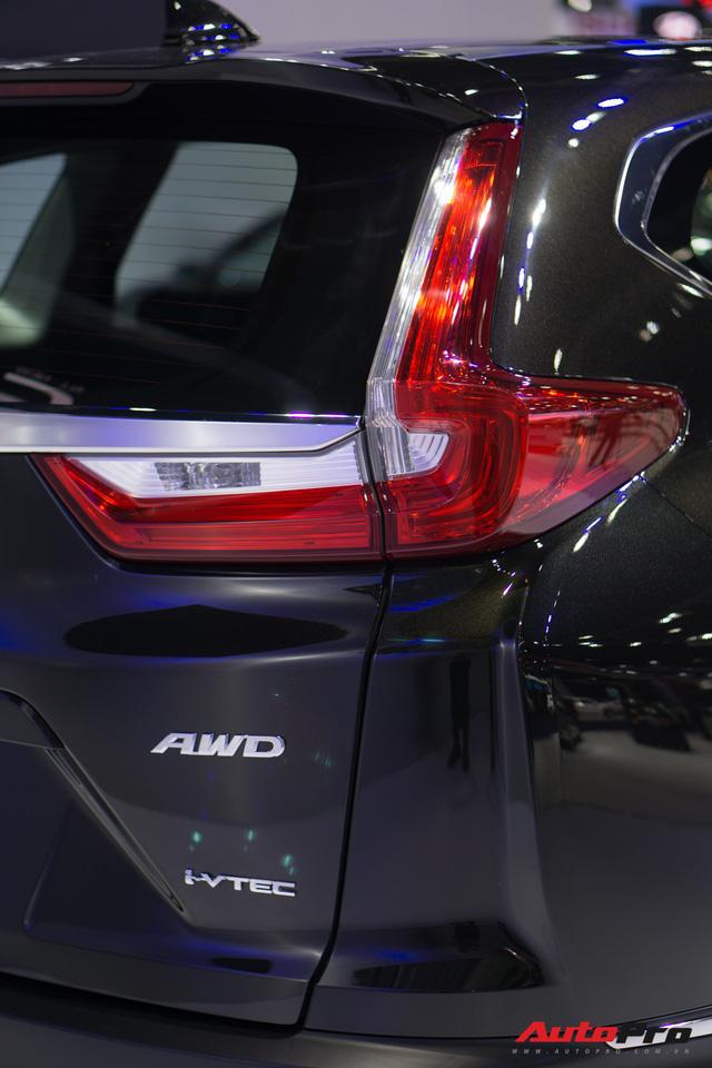 Nhập nguyên chiếc nhưng Honda CR-V 2018 thiếu hàng loạt trang bị - Ảnh 1.