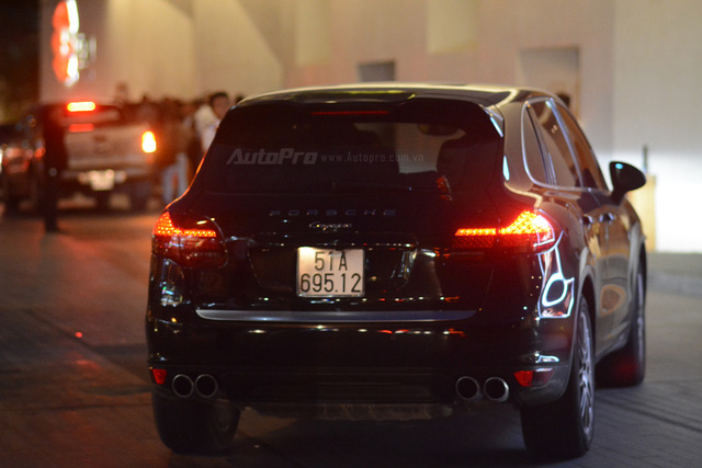 Vợ chồng Hà Tăng đến dự tiệc cưới Hoa hậu Thu Thảo trên Range Rover Autobiography 8 tỷ Đồng - Ảnh 16.