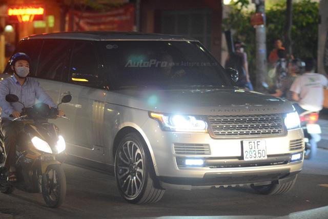 Vợ chồng Hà Tăng đến dự tiệc cưới Hoa hậu Thu Thảo trên Range Rover Autobiography 8 tỷ Đồng - Ảnh 3.