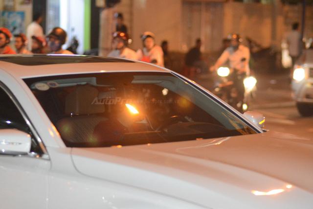 Phan Thành đến dự đám cưới Hoa hậu Thu Thảo trên BMW 740Li 2016 - Ảnh 4.