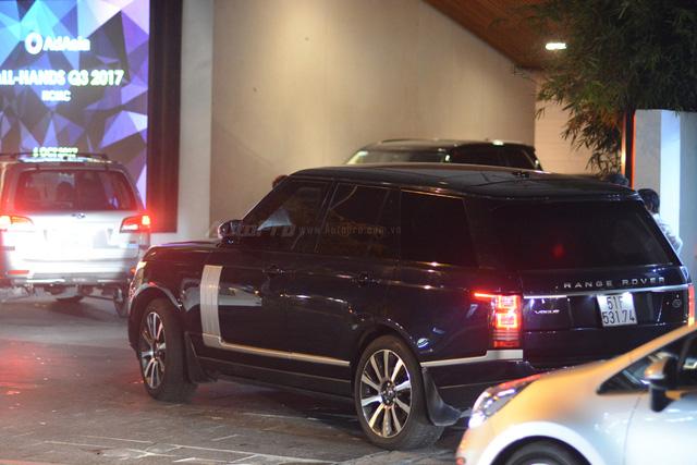 Vợ chồng Hà Tăng đến dự tiệc cưới Hoa hậu Thu Thảo trên Range Rover Autobiography 8 tỷ Đồng - Ảnh 7.