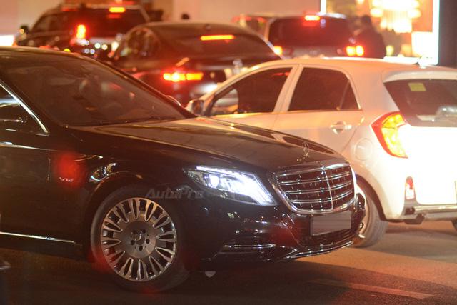 Dàn xe siêu sang Mercedes-Maybach S600 tháp tùng đại gia đến dự đám cưới Hoa hậu Việt Nam 2012 - Ảnh 3.