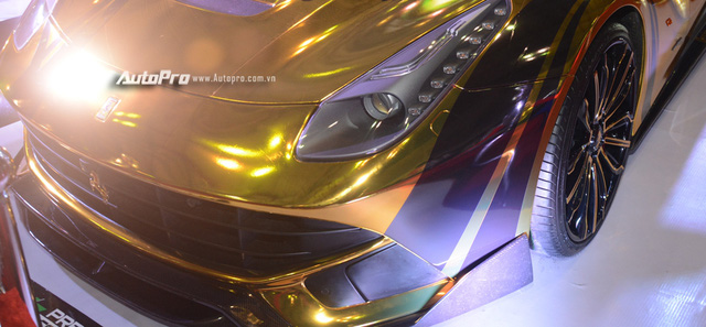 Ferrari F12 Berlinetta từng của Cường Đô-la được hóa thành ngựa vàng trưng bày tại VIMS 2017 - Ảnh 6.