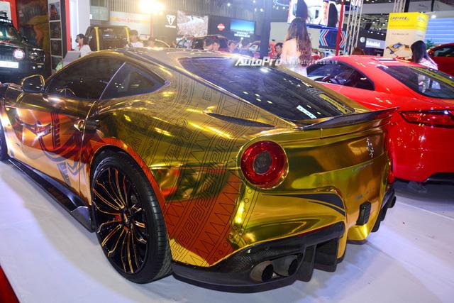Ferrari F12 Berlinetta từng của Cường Đô-la được hóa thành ngựa vàng trưng bày tại VIMS 2017 - Ảnh 7.