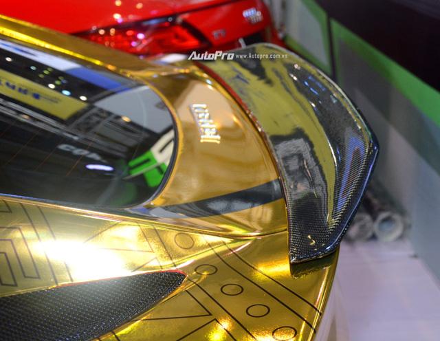 Ferrari F12 Berlinetta từng của Cường Đô-la được hóa thành ngựa vàng trưng bày tại VIMS 2017 - Ảnh 10.