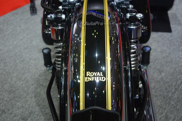 Làm quen với Royal Enfield Classic 500 màu crôm có giá bán 127 triệu Đồng - Ảnh 7.