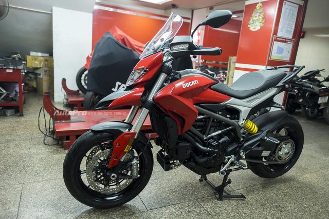Diễn viên Hồng Đăng sắm Ducati Hyperstrada 939 chơi Tết - Ảnh 3.