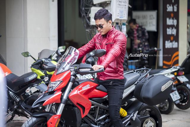 Diễn viên Hồng Đăng sắm Ducati Hyperstrada 939 chơi Tết - Ảnh 2.